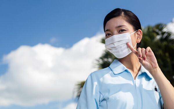 リップケアやほうれい線対策に! マスクを美容に活用するアイデア