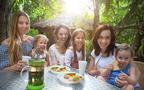 ママ友たちと距離を感じる… 敬遠されてしまう人の3つの特徴