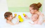 子どもがお風呂を好きになる! おすすめの浴育グッズ4選