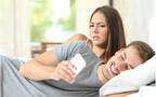 夫や妻のスマホを見ちゃったパパママは◯% 見る派見ない派の軍配はどっち?