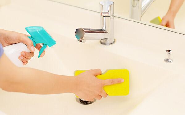 年末大掃除の便利アイテム! 水まわりの黄ばみ撃退にはコレでピカピカに