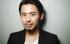 """小田切ヒロさん【無人島に、何持っていく? プロが選ぶ  """"必要最低限コスメ"""" Vol.7】"""