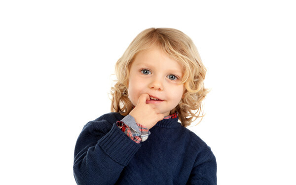 爪を噛むのをやめさせたい! 86.3%の親が子どものクセに悩んでいる?【パパママの本音調査】  Vol.52