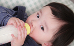 粉ミルク育児のおでかけ荷物はどのくらい? 液体ミルクが必要とされている訳
