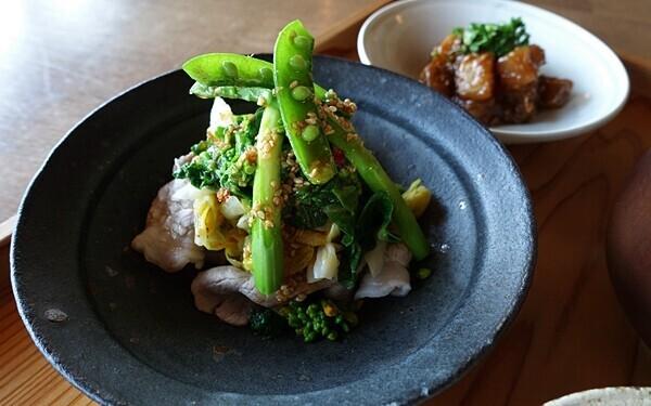 みずみずしい鎌倉野菜で作るやさしい定食。「鎌倉の住人」気分を味わえる癒しカフェ #鎌倉 #sahan #おしゃれカフェ Vol.35