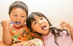 今週は歯と口の健康週間! 約80%の親が子どもの仕上げ磨きを〇〇〇だった【パパママの本音調査】  Vol.103