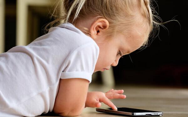 テレビやゲームが原因なの? 子どもの5人に1人が視力〇〇以下に【パパママの本音調査】  Vol.105