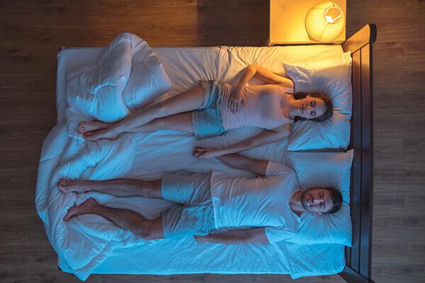 """潜在意識に訴えかける! 妊娠後期の不眠と上手につきあう方法【  """"眠れない""""  ママたちへ Vol.15】"""