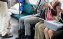 みっともない、だらしない、見たくない!   電車内での化粧はマナー違反が65.3%【パパママの本音調査】  Vol.124