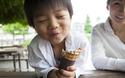 子どものおやつは「第4の食事」 理想は手作りだけど実際は●●に頼りっぱなしの実情【パパママの本音調査】  Vol.152