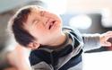 外出先でギャン泣き! 赤ちゃんとのお出かけのときの育児あるある【パパママの本音調査】  Vol.147