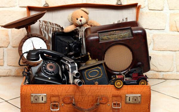 収集癖、夫、コレクション、フィギュア、スニーカー、イライラ