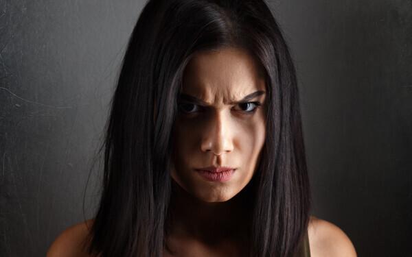 ヒステリック妻、我慢の末に大激怒妻…身を亡ぼすのはこんな女性【シリーズ・モンスターワイフ 第6回】