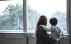 梅雨ストレス「雨で外に出かけられない!」元気な子どもと1日、どう過ごす?