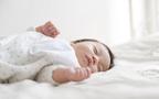 """夜泣きしないようにするためには? ぐっすり眠ってもらうための方法は「専門書」【ママがラクになる""""赤ちゃんの寝かしつけ"""" 第1回】"""