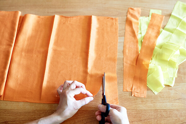 ホコリを溜めない部屋に! 着物のハギレで作る「はたき」の作り方