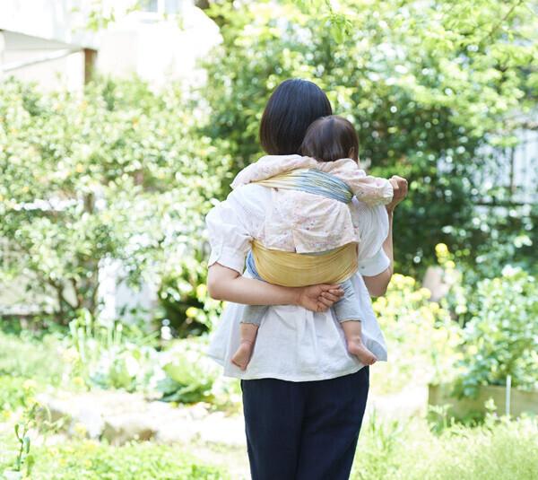 おんぶ紐や抱っこ紐にも! 子どもを守る防災グッズ「さらし」の使い方