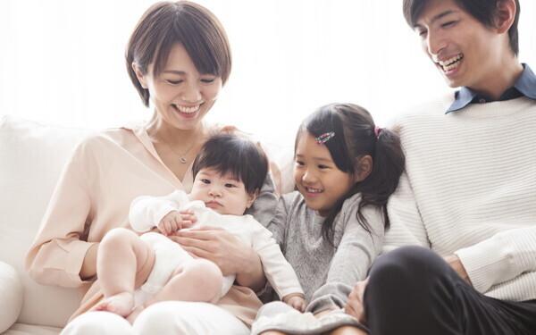 """赤ちゃん返り「上の子はどう感じている?」不安を取り除く2つの方法【「ママ、あのね」心理相談のプロに聞く""""子どもの気持ち、ママの気持ち""""  第1回】"""