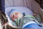 赤ちゃんをお風呂に入れるタイミングって? パターン別スケジュールのコツ【赤ちゃんにもママにも優しい安眠ガイド 第5話】