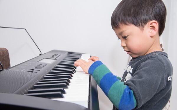 子どもの習いごと「やめる? 続ける?」やめどき4つのタイミング