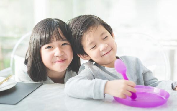 「男の子はママ似、女の子はパパ似」遺伝子レベルの理由があった【榊原先生、教えて! 子どもの体の不思議 第7回】