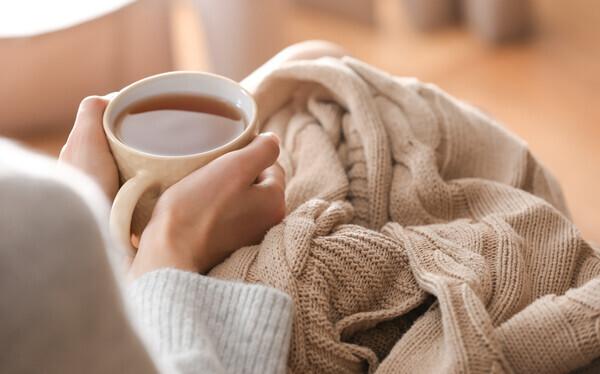 【医師監修】ほうじ茶のカフェイン量は? 妊娠中に飲んでも平気?