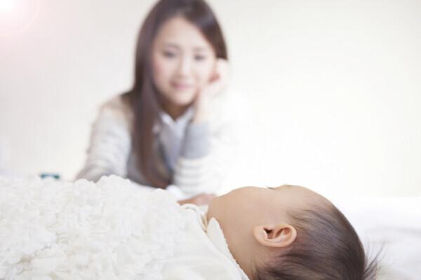 【医師監修】新生児のしゃっくりが多くて苦しそう! 対処方法は?