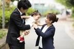 働き始めた妻にイライラする夫、不機嫌になる原因は?