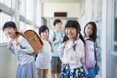 子どもの人見知りが心配…コミュニケーション力の育み方 【子どもサポートのプロ・本山勝寛さんに聞く(後編)】