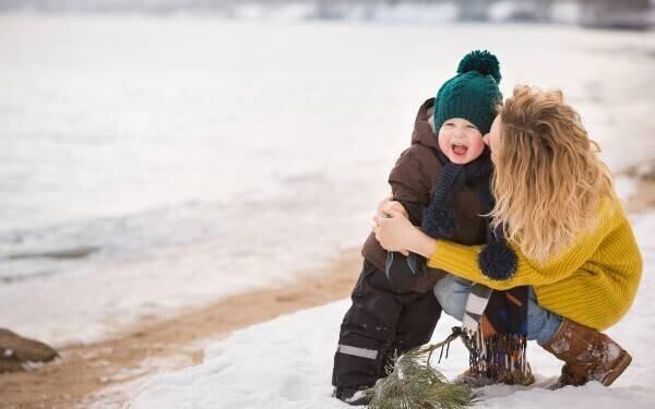 冬の公園遊びを笑顔で乗り切る! ママのための神アイテム