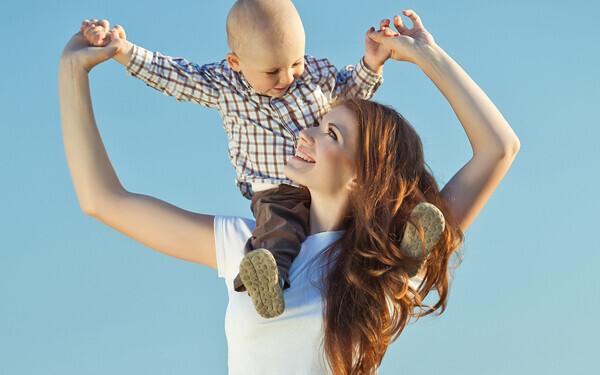 シングルマザー必読! もらえる手当や支援制度などの情報を総チェック