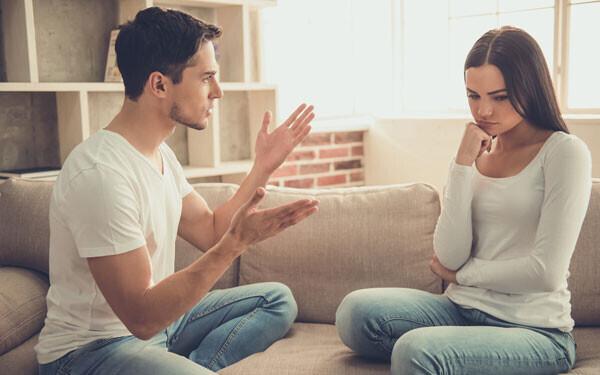 「夫 嫌い」検索に秘める妻の切実な思いとは? 夫にイラつく妻の本音