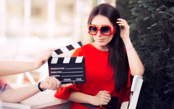 テレビに出ている女優などと比較されるようになったら不倫を疑った方がいいかも