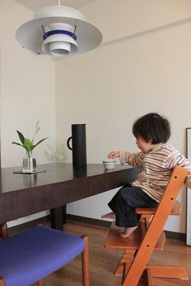 食事がもっと楽しくなる! 子ども椅子「トリップトラップ」が人気のワケ【人気ブロガーの「これがマイベスト」  Vol.19】