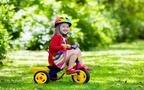 三輪車のおすすめ商品13選! 何歳から乗る? 折りたたみ式もある?