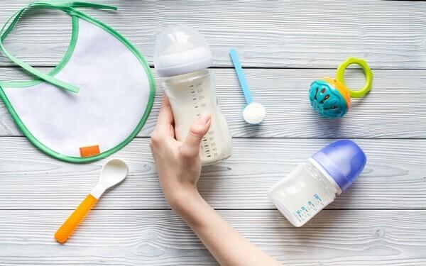 哺乳瓶のおすすめ人気商品10選! 母乳とミルク混合向けアイテムや消毒方法も紹介!