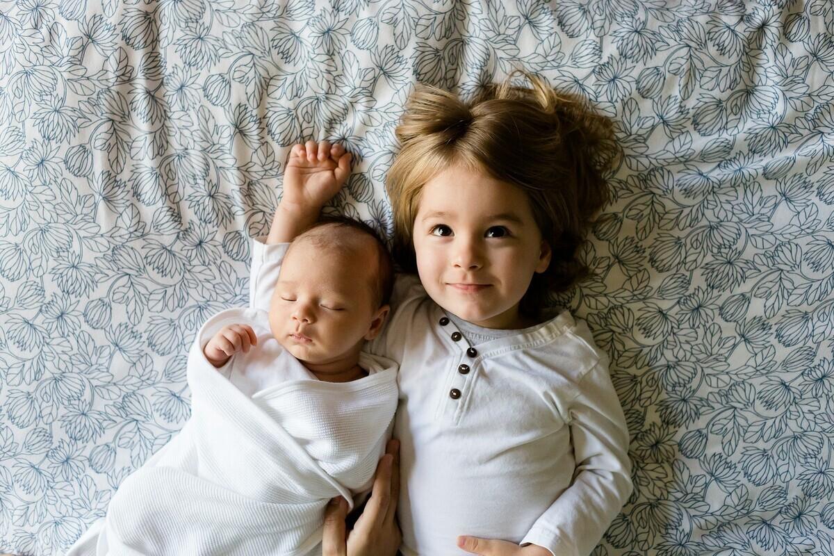 おねしょシーツはどう選べばよい? ママと子どもの安眠を守る方法とは