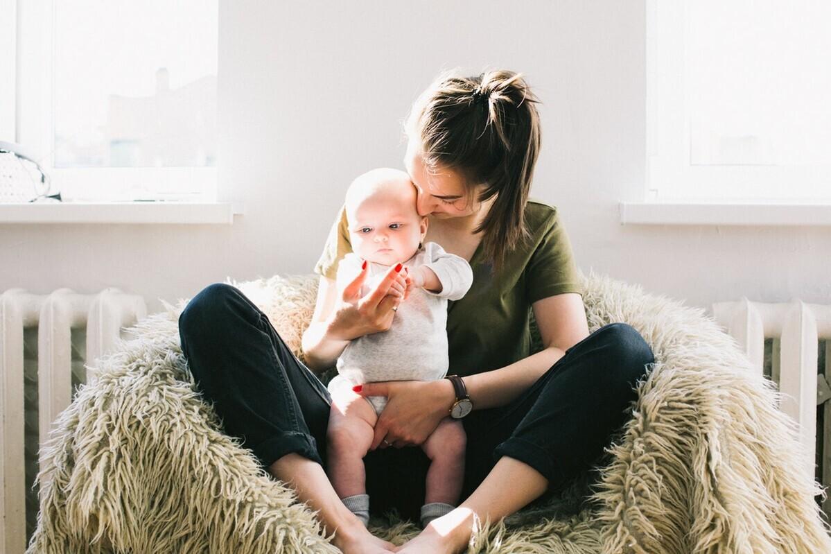 抱っこ紐のおすすめ3選! 赤ちゃんもママも快適な商品を選ぶために