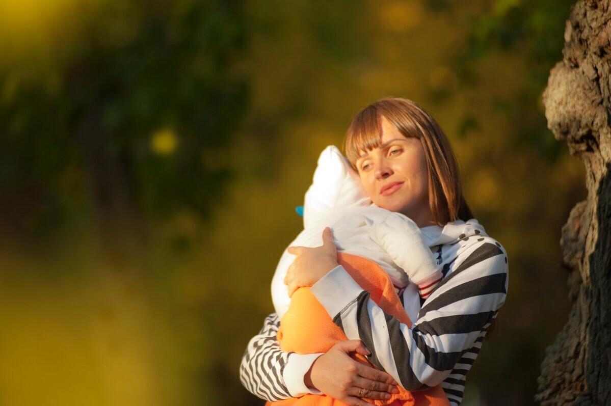 【スリングの正しい使い方】新生児の抱き方とおすすめスリング3選!