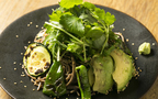 目黒川沿いの古民家レストラン「N_1221」で、旬の野菜のシンプルな鉄板焼き