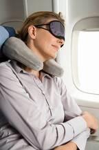 飛行機の旅 機内に持ち込んでおきたい便利グッズ