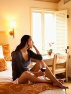 大人の女性はおひとりさまホテルステイ 週末は自分と向き合う贅沢タイムに