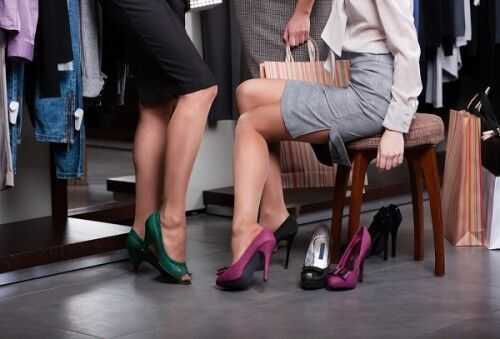 """「ブランド靴は女であることの自信」 フランス女性が""""靴中毒""""に陥ってしまうワケ"""