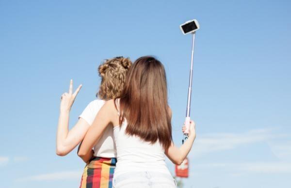 SNSに勝手に写真をアップされ……女性の84%が苦い経験