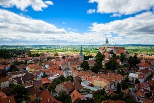 ブルノとウィーンのほぼ中間にあるミクロフの町。