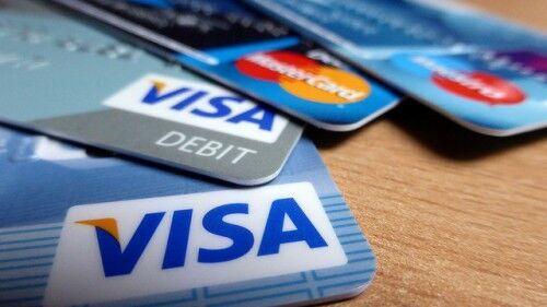"""買物好きなら知らなきゃ損! """"カード通""""がおすすめするクレジットカード7選"""