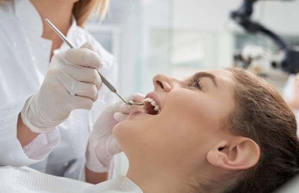 歯科医院で歯石を取る…健康保険適用の「クリーニング」とは【歯科医が教える】