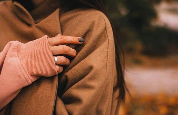 秋の乾燥で「のど痛」や「から咳」が…セルフケアツボ3つ【鍼灸師が教える】