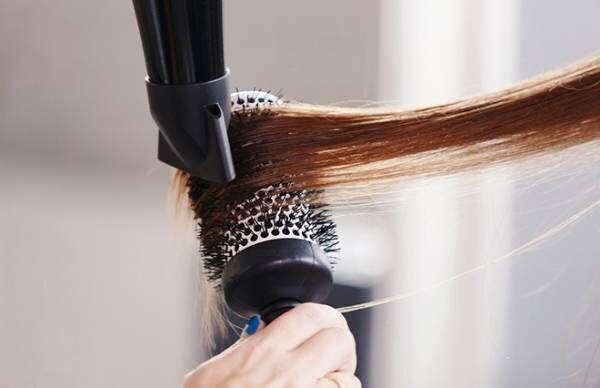 髪のからまりダメージを防ぎたい…指通りが良くなる7つの方法【美髪プロが教える】