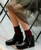 """ショートブーツの日、靴下どうしてる?冬は""""チラ見せ""""でグッとおしゃれになる"""